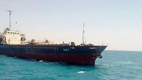 Tàu vận tải SAM 5 chở gần 8.000 tấn than bị mắc cạn