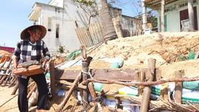 Tình trạng biển xâm thực diễn ra ngày càng nghiêm trọng ở Bình Thuận.