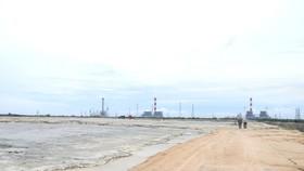 Bãi chứa tro, xỉ than của Trung tâm Điện lực Vĩnh Tân.