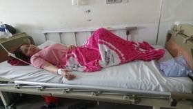 Các bệnh nhân nghi bị ngộ độc do ăn cá hồng chuối đang được điều trị tại bệnh viện.