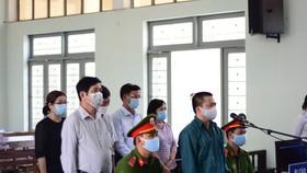 6 bị cáo nguyên là Giám đốc, Phó Giám đốc, Kế toán,... của Trung tâm Y tế TP Phan Thiết bị truy tố trước tòa.