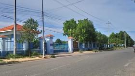 Trường Chính trị tỉnh Bình Thuận mở lớp học tập trung đông người giữa tình hình dịch Covid-19 đang phức tạp.