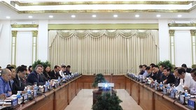 HCMC People's Committee and agency leaders work with American businesses delegation in smart traffic field (Photo: thanhuytphcm)