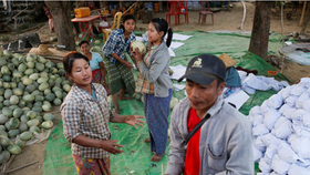 Myanmar watermelon farmers (Photo: Reuters)
