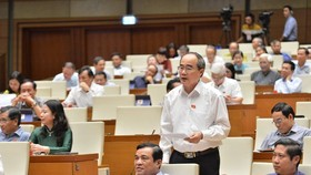 HCMC Party Leader Nguyen Thien Nhan makes a statement at the 9th session of the 14th National Assembly on June 15 (Photo: SGGP)