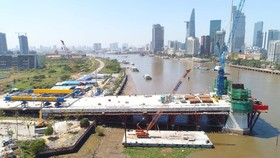The construction site of Thu Thiem 2 Bridge in HCMC (Photo: SGGP)