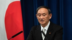 Prime Minister of Japan Yoshihide Suga during a press briefing on September 16 in Tokyo.  (Photo: AFP/VNA)