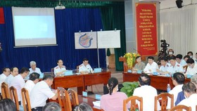 The Government Inspectorate and HCMC People's Committee speaking with people from the Thu Thiem new urban area (Photo: SGGP)