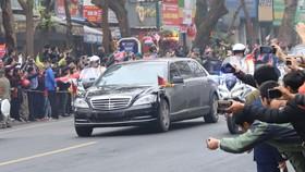 Đoàn xe ông Kim Jong-un tới Hà Nội