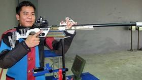 Nguyễn Duy Hoàng đã có kết quả tốt tại bài bắn 50m súng trường nam.           Ảnh: T.L