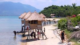 Khu vực quy hoạch đặc khu Vân Phong có nhiều lợi thế phát triển du lịch biển  khiến giới đầu cơ quan tâm