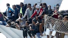 Người nhập cư vượt Địa Trung Hải đến châu Âu