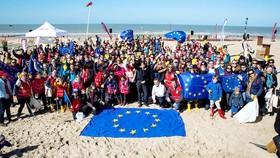 Một buổi lễ phát động chiến dịch #EUBeachCleanUp tại Bỉ