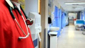 Đảng Bảo thủ Anh muốn nới lỏng thị thực trong lĩnh vực y tế
