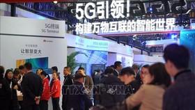 Giới thiệu mạng 5G tại Hội nghị 5G thế giới 2019 ở tại Bắc Kinh, Trung Quốc. Ảnh: THX/TTXVNN