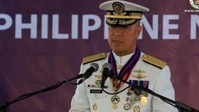 Phó Đô đốc, Tư lệnh Hải quân Philippines Giovanni Carlo Bacordo