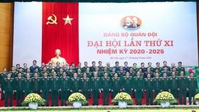 61 đại biểu thay mặt cho Đảng bộ Quân đội đi dự Đại hội lần thứ XIII của Đảng. Ảnh: VGP