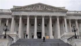 Lối vào Hạ viện Mỹ tại Đồi Capitol ở Washington DC. Ảnh: AFP/TTXVN