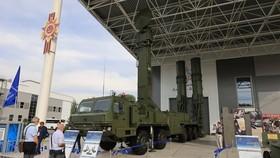 Tổ hợp tên lửa phòng không đa kênh cơ động cao 98P6E Abakan. Ảnh: PV/TTXVN