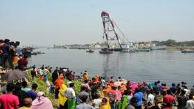 Hiện trường vụ chìm phà tại Bangladesh, ngày 5-4. Ảnh: Tân Hoa xã