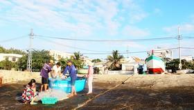 Cuộc sống của ngư dân trên đảo Nhơn Châu ngày càng được cải thiện. Ảnh: NGỌC OAI