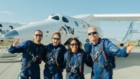 Nhóm du lịch vũ trụ của tỷ phú Richard Branson