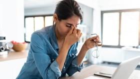 Làm việc tại nhà ảnh hưởng tới thị lực