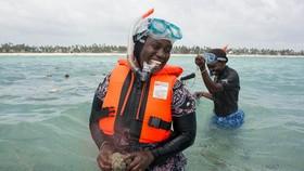 Những phụ nữ bảo vệ nghề biển