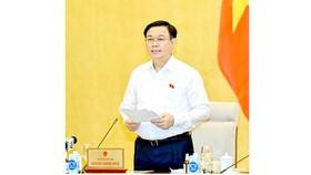 Chủ tịch Quốc hội Vương Đình Huệ phát biểu  bế mạc phiên họp. Ảnh: VIẾT CHUNG