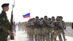 Các đơn vị đặc nhiệm của Nga và Kazakhstan tham gia cuộc tập trận Tương tác 2021 của các nước thành viên CSTO, diễn ra mới đây tại Tajikistan. Ảnh: TTXVN