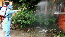 Việc phun hóa chất diệt muỗi ngừa SXH do lực lượng y tế thực hiện hoàn toàn miễn phí