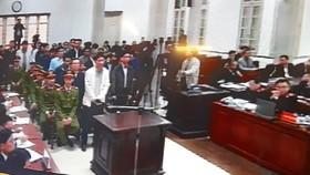 Ông Đinh La Thăng bị phạt 13 năm tù, Trịnh Xuân Thanh tù chung thân