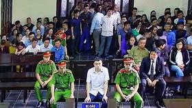 """Cựu nhà báo Lê Duy Phong bị xem xét  hình phạt từ 3-4 năm tù về tội """"Cưỡng đoạt tài sản"""""""