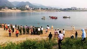 Kinh hoàng một buổi chiều 8 trẻ nhỏ chết đuối trên sông Đà