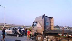 Tài xế xe container tông xe Innova đi lùi ở cao tốc vẫn bị quy tội