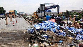 Tai nạn liên hoàn thảm khốc ở Hải Dương - Tang tóc tại xã Cộng Hòa
