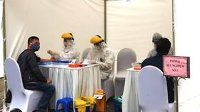 Thứ bảy (1-8), phải hoàn thành test nhanh hơn 21.000 người từ Đà Nẵng về Hà Nội