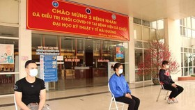 """3 bệnh nhân Covid-19 đầu tiên ở """"tâm dịch"""" TP Chí Linh khỏi bệnh"""
