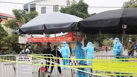 Từ ngày 16-2, Hà Nội đóng cửa quán ăn, trà đá, cafe vỉa hè và các di tích