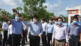 Bộ trưởng Bộ Y tế và đoàn công tác kiểm tra phòng, chống dịch Covid-19 tại Kiên Giang