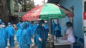 14 cán bộ y tế ở Phúc Yên khai báo có tới quán bar karaoke Sunny