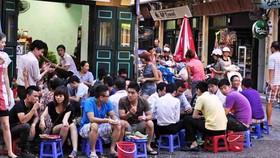 Từ 17 giờ ngày 3-5: Hà Nội dừng hoạt động quán ăn, uống đường phố, trà đá, cafe vỉa hè