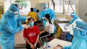 Bộ Y tế khẩn cấp hỗ trợ Bắc Giang dập dịch bùng phát ở khu công nghiệp
