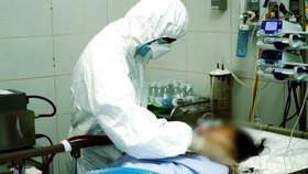 Một nữ bệnh nhân 64 tuổi tử vong do ung thư gan và SARS-CoV-2