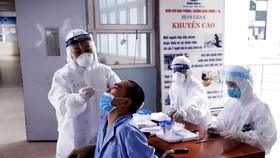 5 nhóm đối tượng không phải trả phí xét nghiệm SARS-CoV-2 ở cơ sở khám chữa bệnh