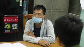 Dùng giấy xét nghiệm SARS-CoV-2 giả qua hàng loạt chốt kiểm soát dịch