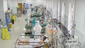 Lập khẩn cấp 12 trung tâm hồi sức tích cực điều trị Covid-19 ở cả 3 miền