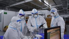 Hơn 13.000 cán bộ y tế vào Nam chống dịch Covid-19