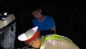 Trạm CSGT Phú Lộc lập biên bản tài xế Hiển vượt ẩu trong hầm Hải Vân