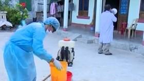 Phun thuốc diệt muỗi phòng sốt xuất huyết